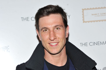 Pablo Schreiber earned a  million dollar salary - leaving the net worth at 5 million in 2018