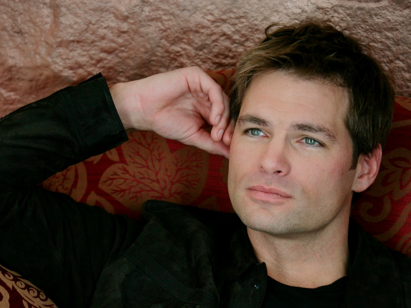 DANIEL COSGROVE Heads to DAYS OF OUR LIVES | The Buzz